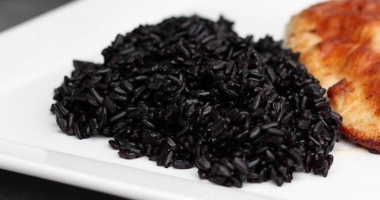 Black rice-A food grain of extraordinary quality