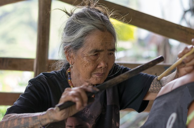 Whang-od-tattooing
